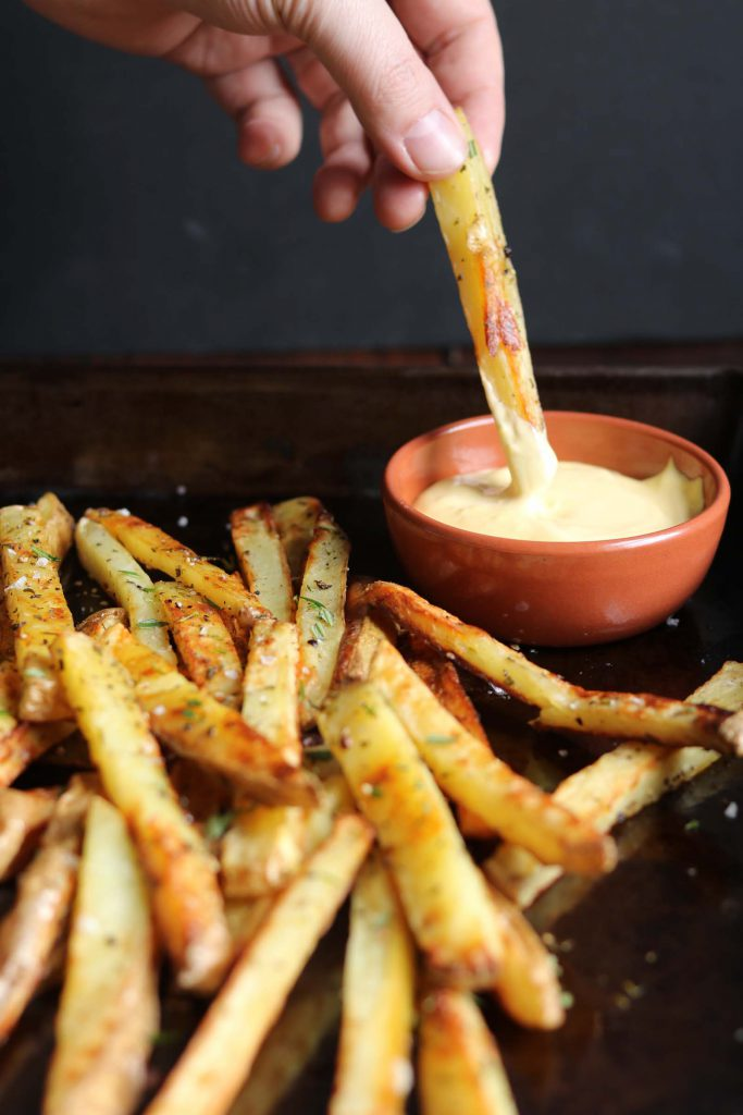 Baked Black Pepper, Rosemary Fries with Aioli - www.thelastfoodblog.com