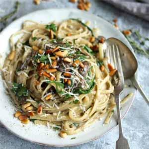 Creamy Spinach and Mushroom Pasta