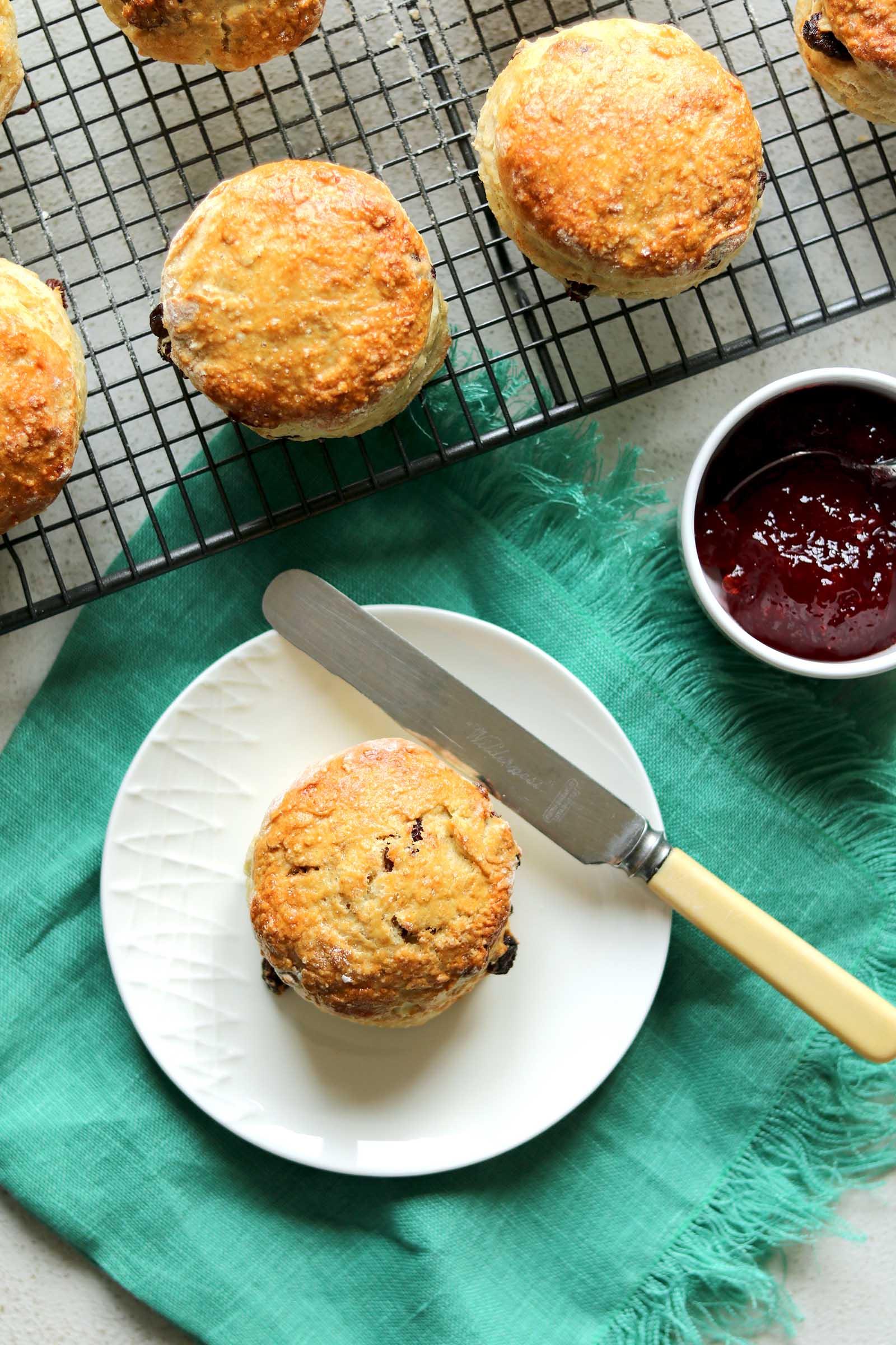 irish scones plain with tray
