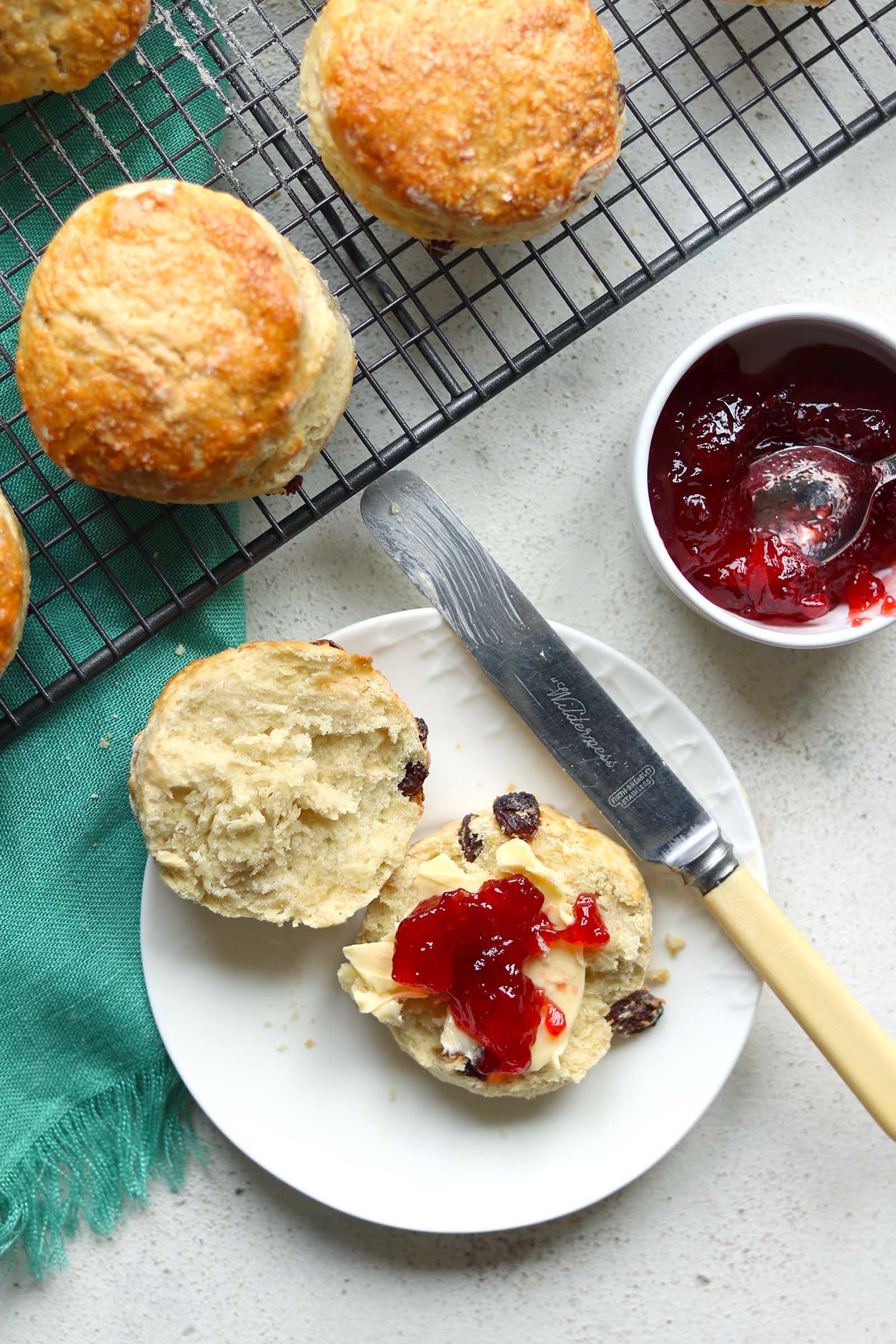 irish scones with jam