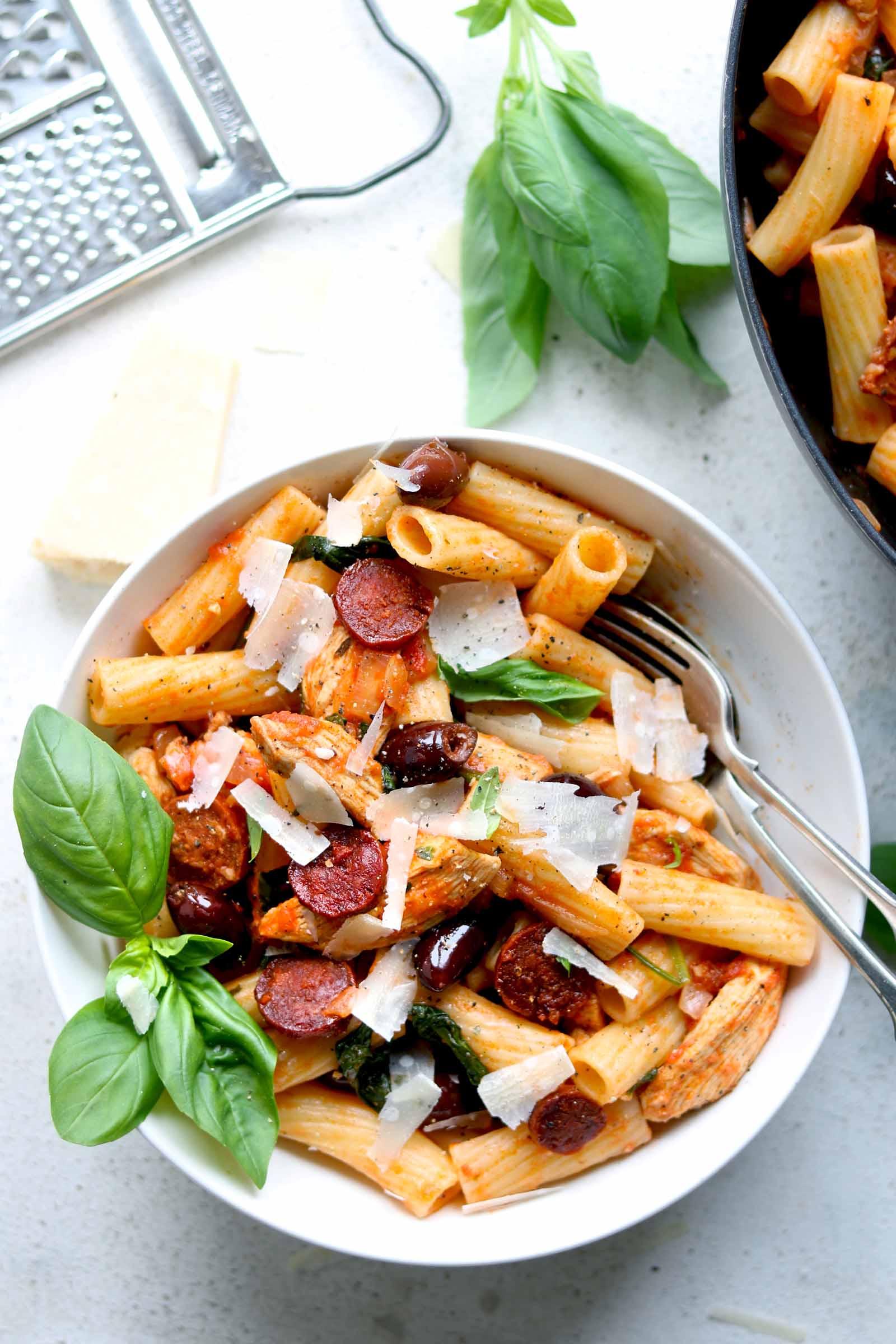 chicken and chorizo pasta close
