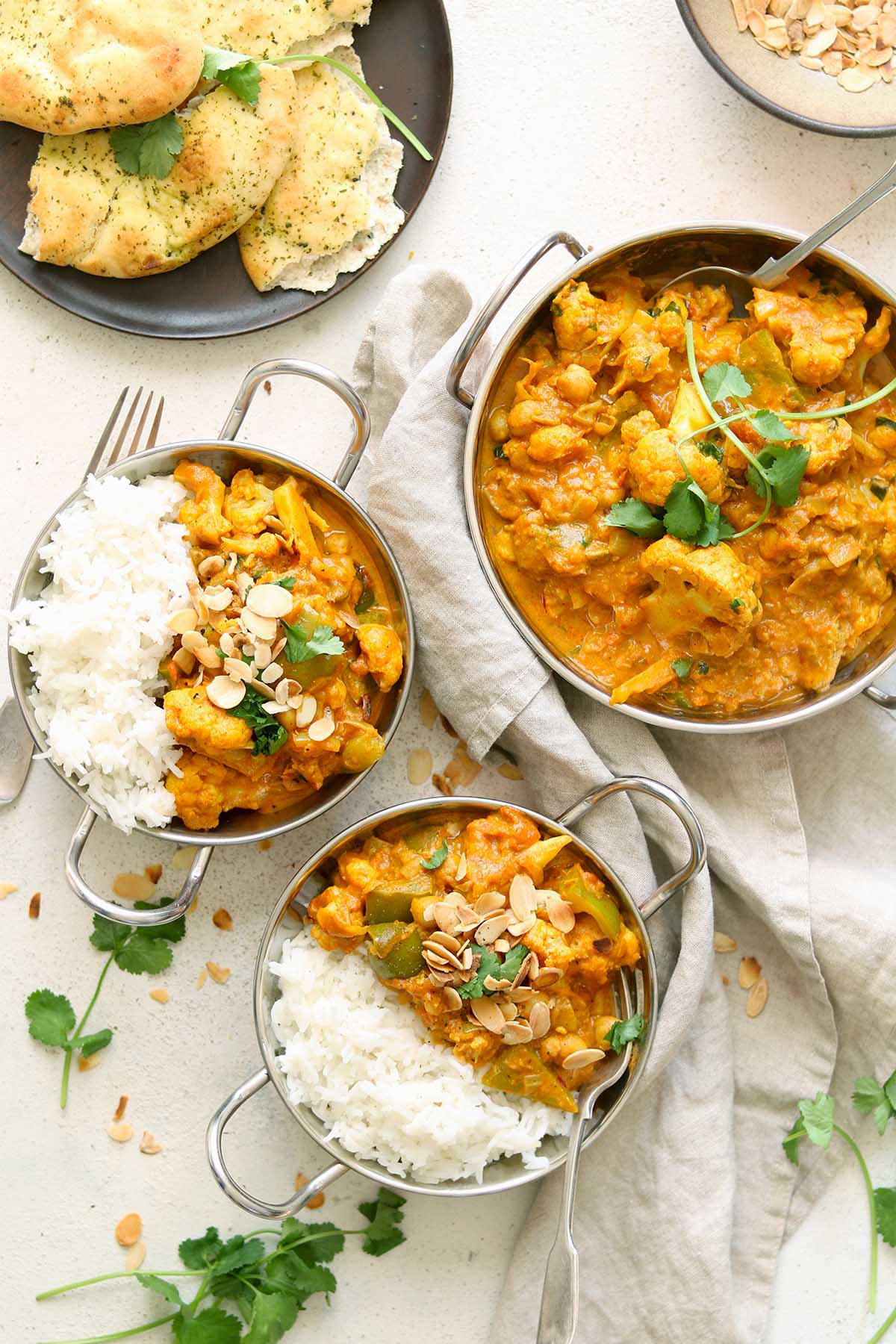 cauliflower and chickpea curry - full