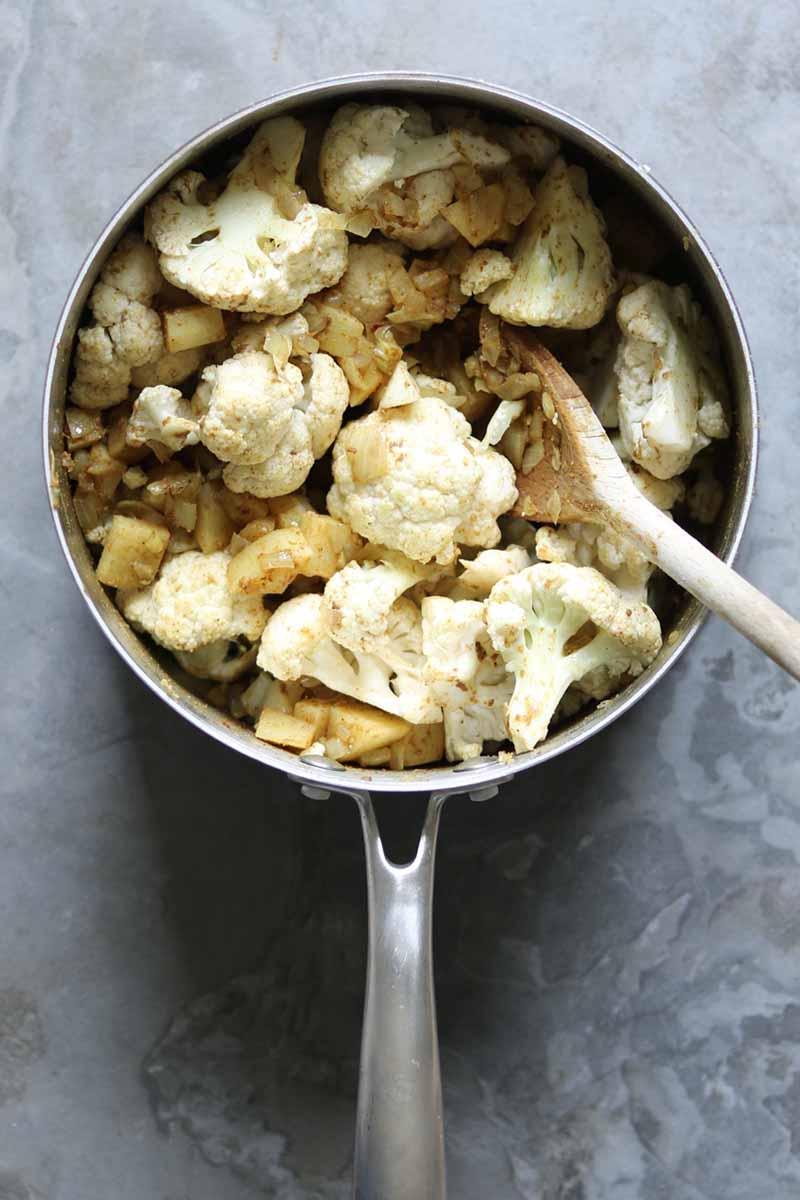 cauliflower in pot