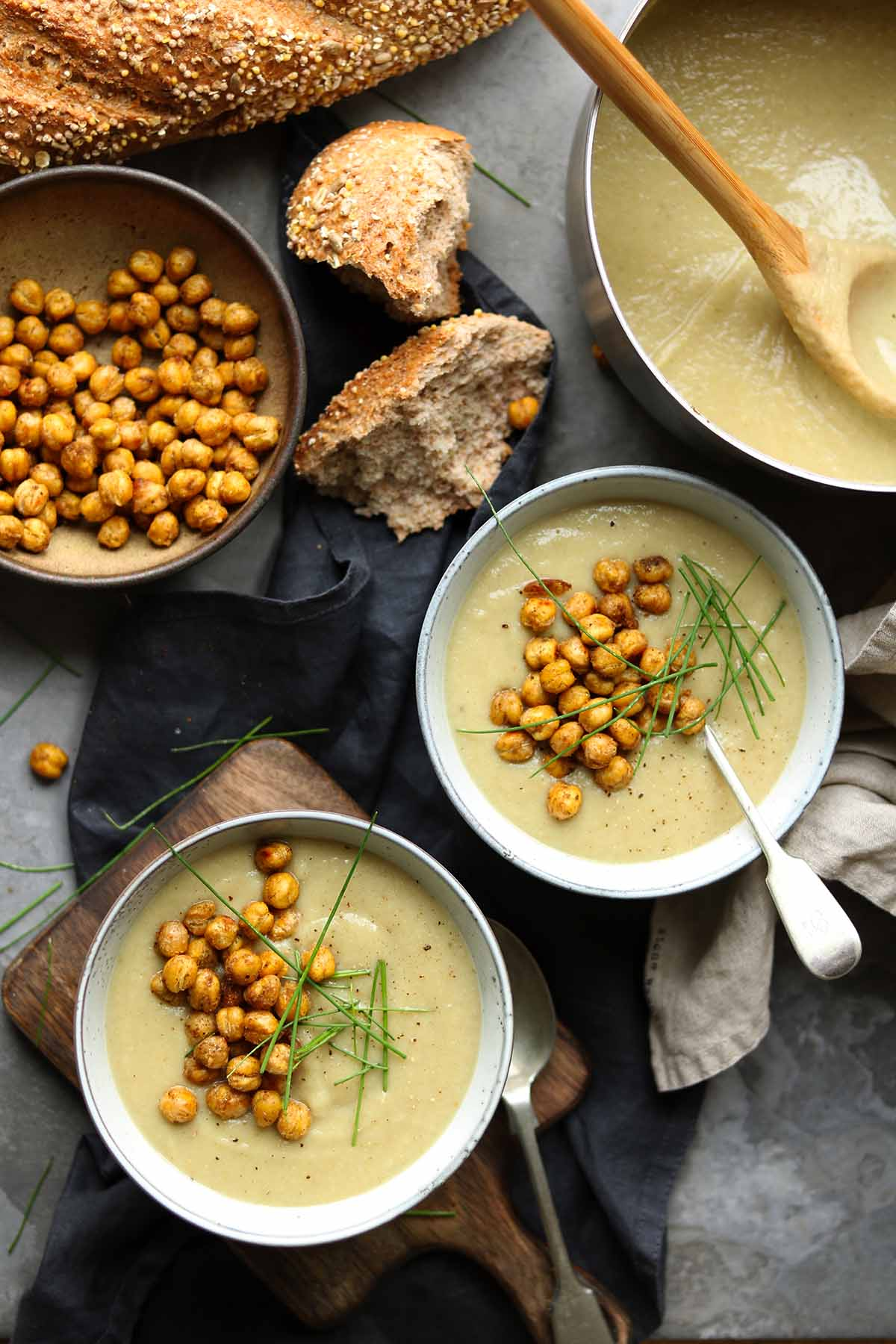 spicy cauliflower soup bowls