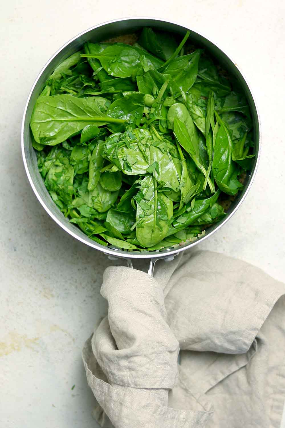 spinach in pot