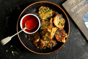 vegetable fritters - with chilli sauce landscape