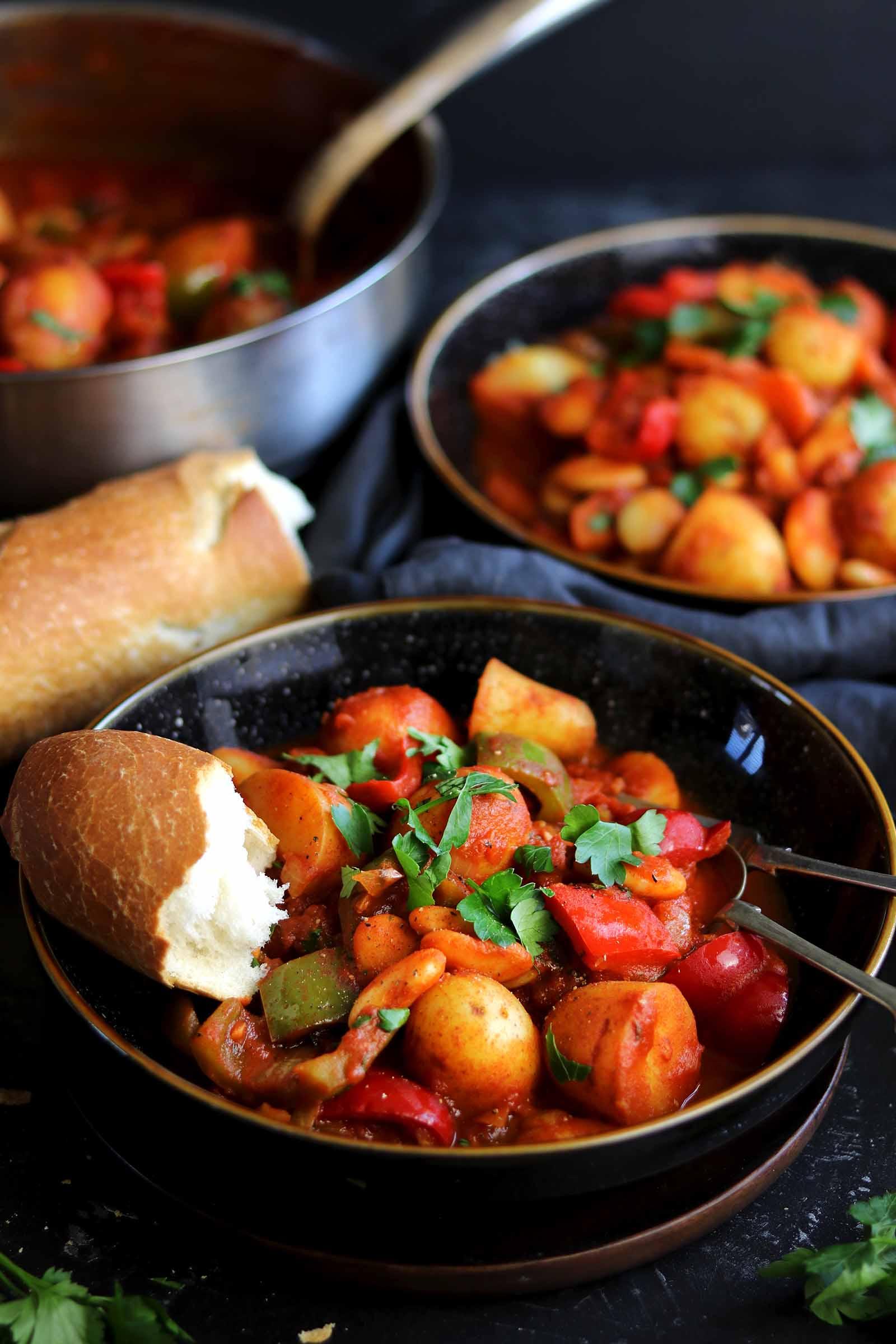 vegetarian goulash bowl side on