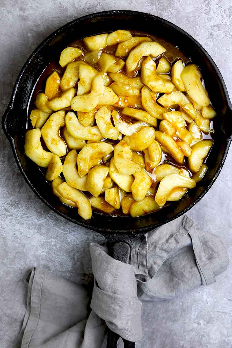 cooked pears in skillet