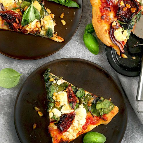 spinach and feta pizza plated