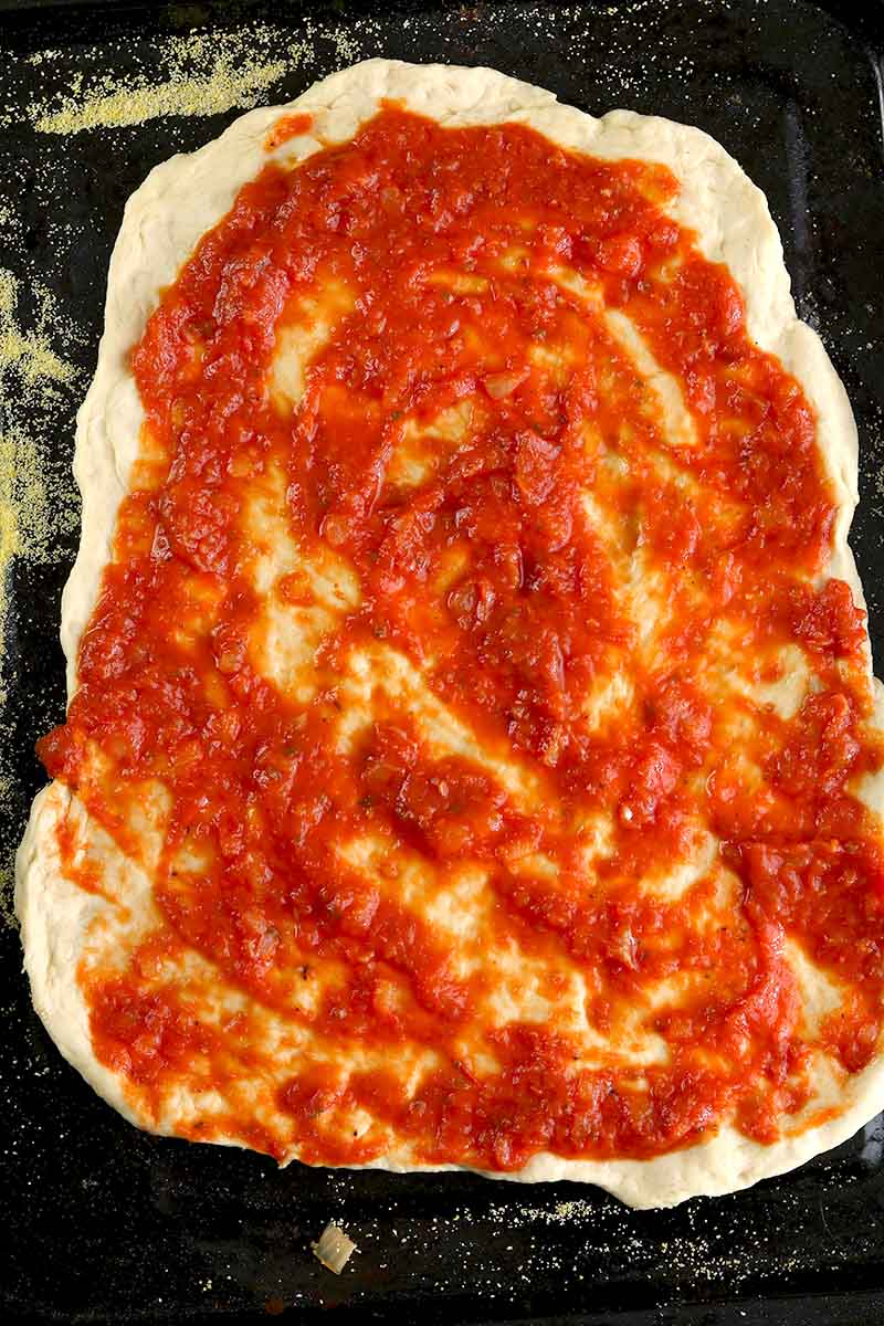 uncooked pizza base