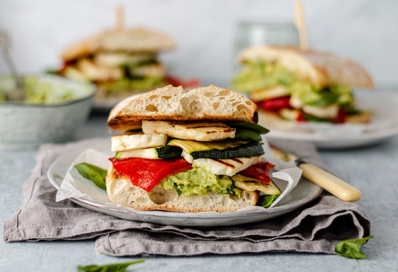 halloumi sandwich in plate