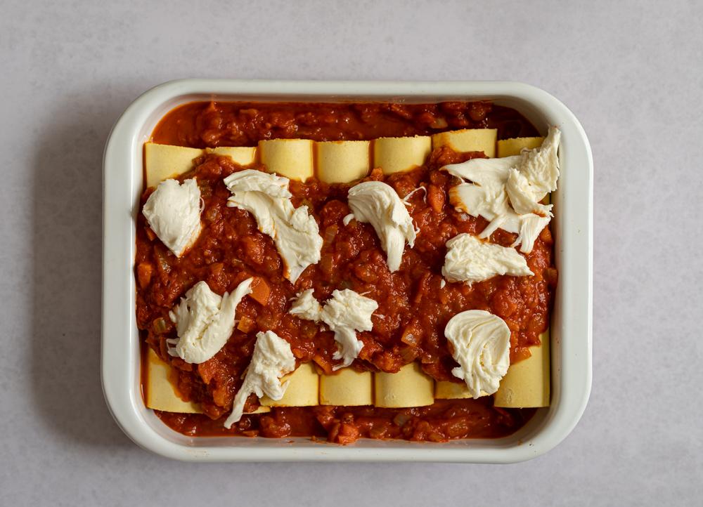 pasta cover in tomato sauce